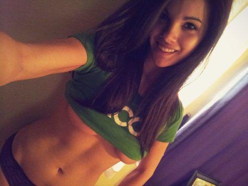 Busty Girl Under Boob Selfie